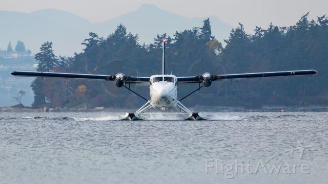 De Havilland Canada Twin Otter (C-GHHA)