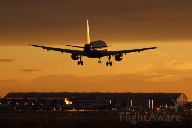 — — - Landing runway 027R at LHR.