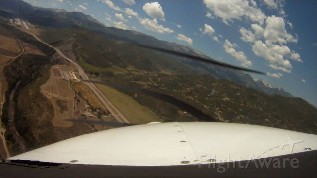 Cessna 206 Stationair (N2829J) - Turning final to Aspen, CO July 3, 2012.