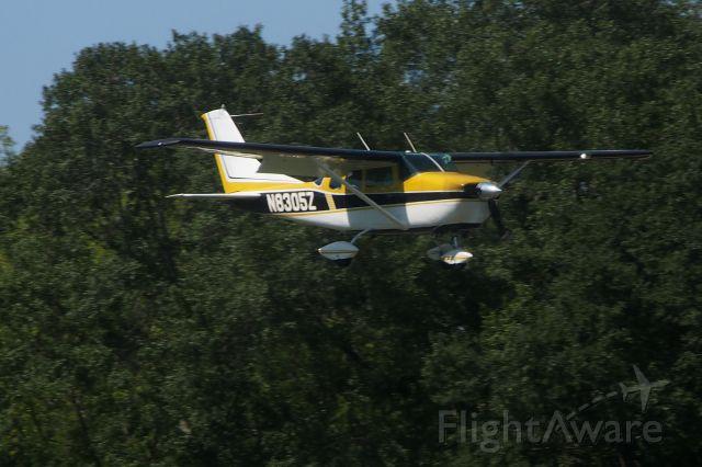 Cessna 205 (N8305Z)