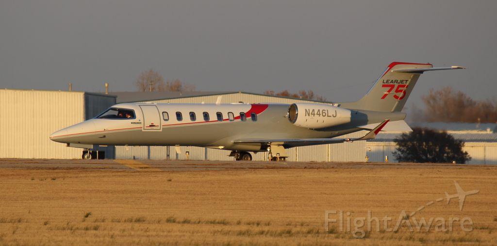 Bombardier Learjet 75 (N446LJ)