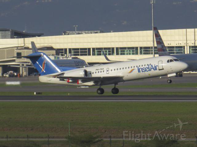 Fokker 70 (P4-FKA)