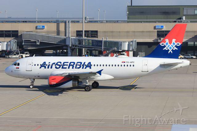 Airbus A319 (YU-APC)