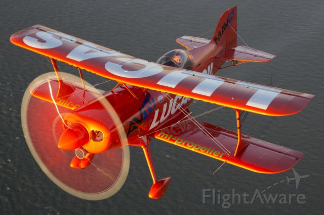 PITTS Special (S-1) (N5111B) - Mike Wiskus over San Francisco Bay during the weekend of the Fleet Week Airshow