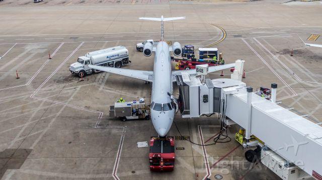 Embraer ERJ-135 (N689EC)