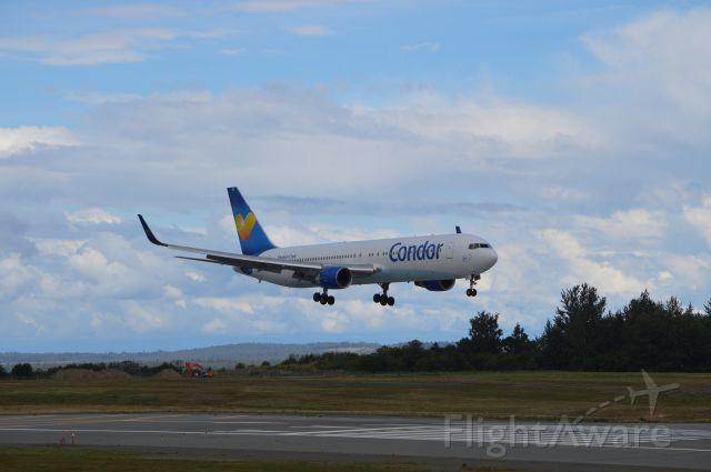 BOEING 767-300 (D-ABUF) - Point Woronzof off runway 15
