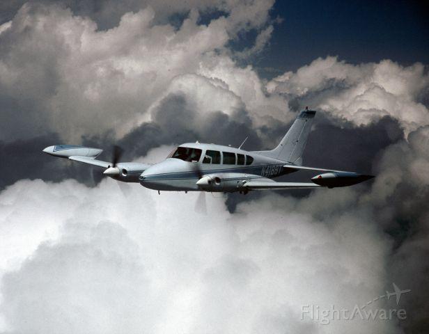 Cessna 310 (N4189T)