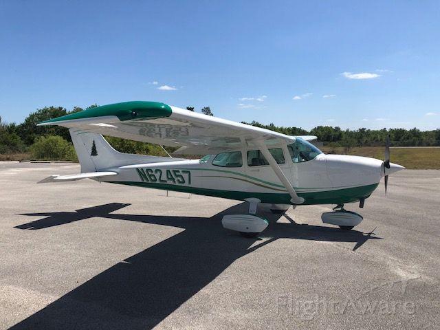 Cessna Skyhawk (N62457)