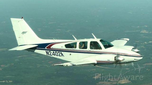 Beechcraft 55 Baron (N2402A)