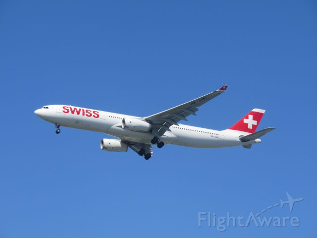 Airbus A330-300 (HB-JHM) - The Swiss A330 landing on JFK