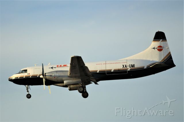 CONVAIR CV-580 (XA-UMI) - A nice surprise on this warm day at KPHX.