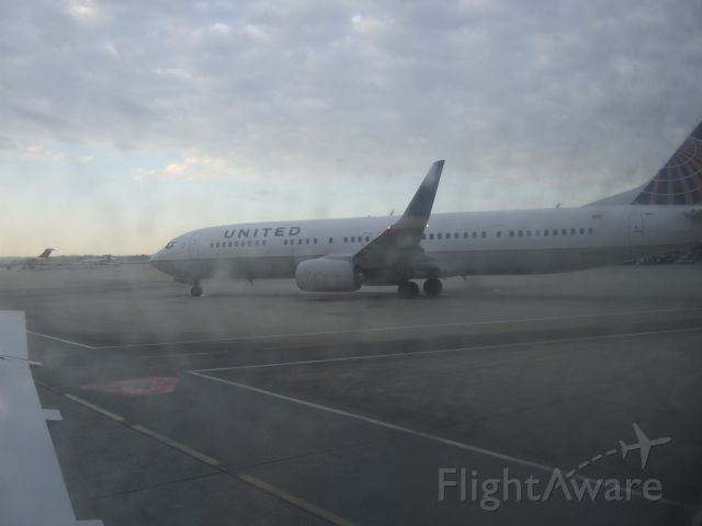 Boeing 737-900 (N68802) - Taxing N68802 to Las Vegas at KORD