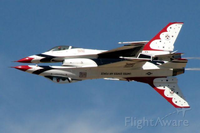 — — - F-16 demo at 2006 Reno Air races.