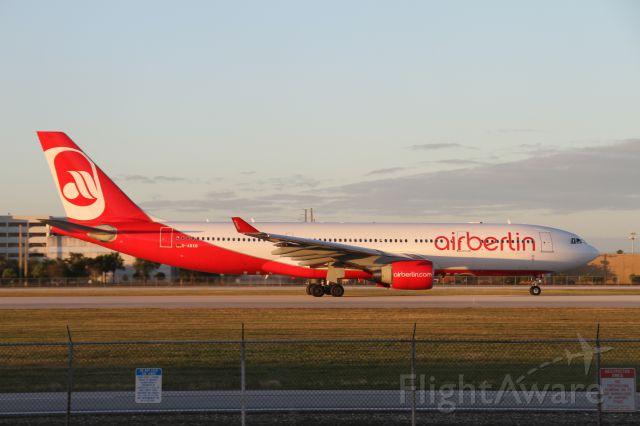 Airbus A330-300 (D-ABXB)