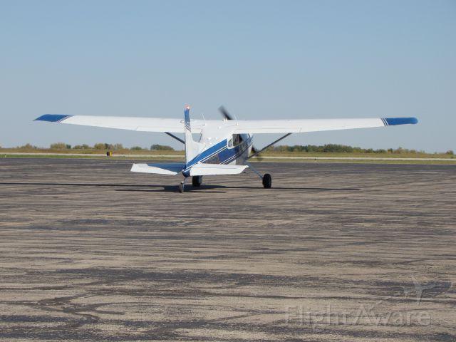 Cessna Skywagon (N26DL)
