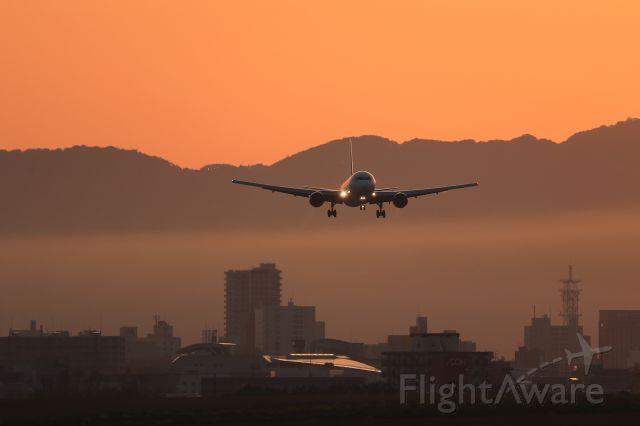 BOEING 767-300 (JA659J) - May 29th 2018:HND-HKD. JAL Flight No.589.