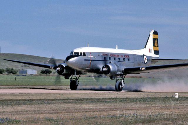 Douglas DC-3 (A6594)