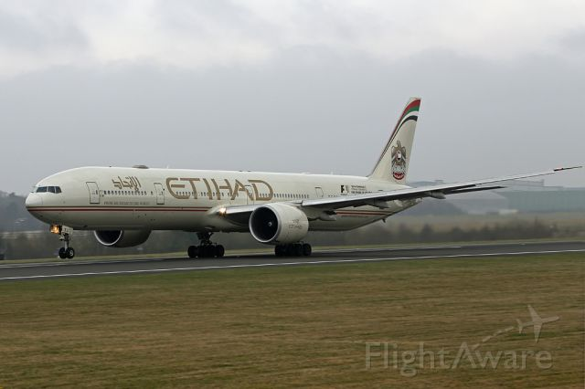 BOEING 777-300ER (A6-ETJ) - ETD16 just rotating at the start of the flight back to AUH.