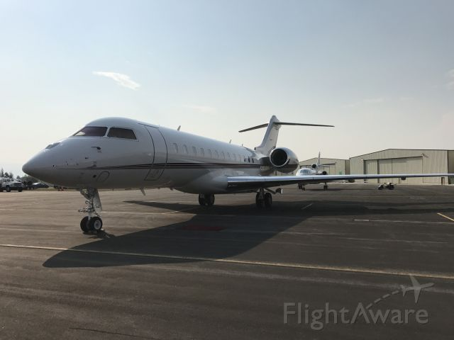 Bombardier Global Express (N115QS)