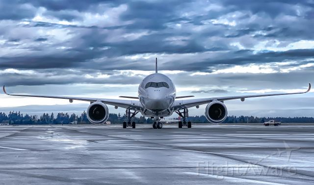 Airbus A350-900 (HL8382) - Standing on the ramp, taxiing in for parking