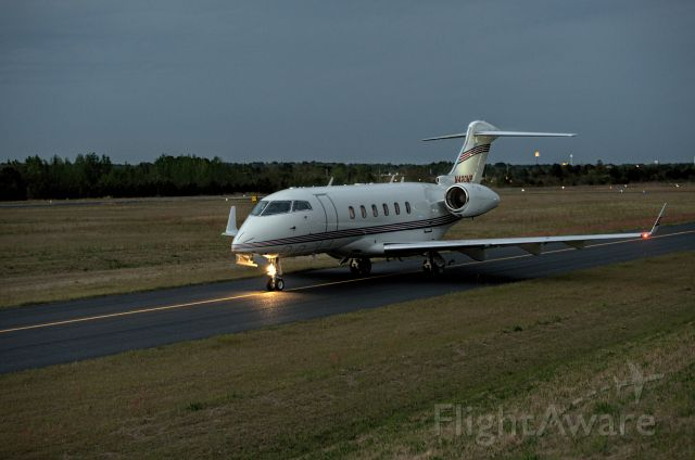 Bombardier Challenger 300 (N420MP) - Departures taxi runway 7 last day Masters 2018