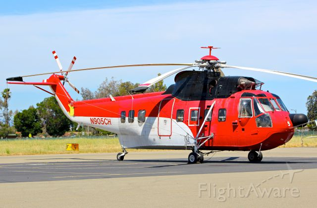 Sikorsky Sea King (N905CH) - Very interesting Sikorsky S-61N parked on the ramp at Reid Hillview.