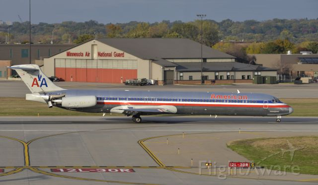 McDonnell Douglas MD-82 (N501AA) - Arriving at MSP