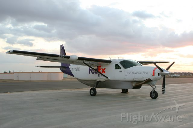 Cessna Caravan (N772FE) - Fed Ex Feeder-West Air, Inc