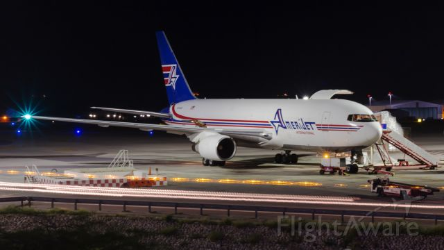 BOEING 767-200 (N743AX) - Long exposure.