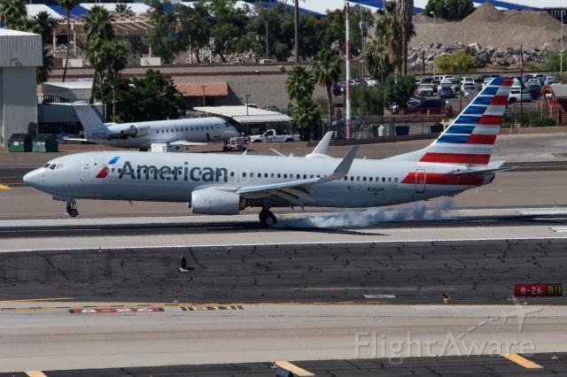 Boeing 737-800 (N316PF)