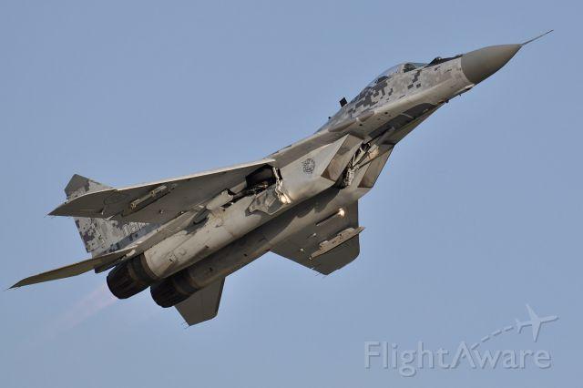 MIKOYAN MiG-33 (0619) - Dynamic Display - NATO Days 2011 (9/23)