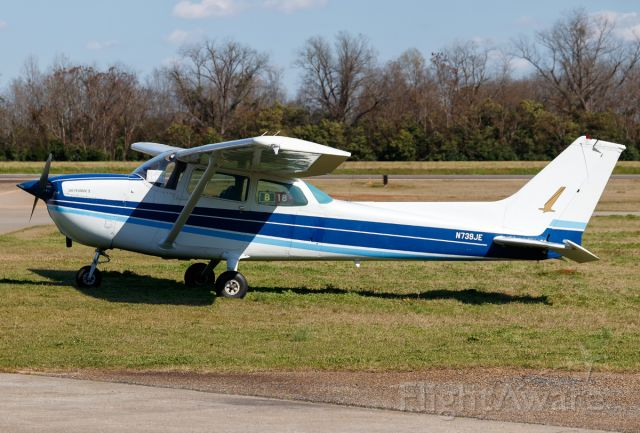 Cessna Skyhawk (N739JE)