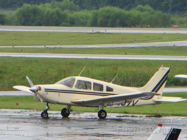 Piper Cherokee (N5857V)