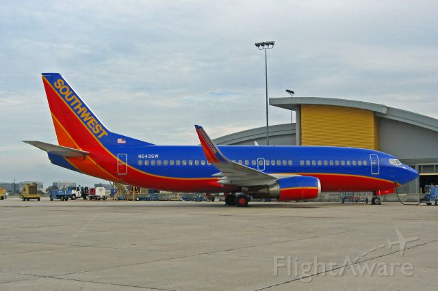 """BOEING 737-300 (N643SW) - Southwest Airlines, N643SW, Boeing 737-3H4(WL), msn 27716, Photo by John A. Miller, <a rel=""""nofollow"""" href=""""http://www.PhotoEnrichments.com"""">www.PhotoEnrichments.com</a>"""