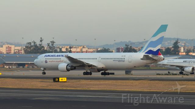 BOEING 767-300 (CS-TSV) - EuroAtlantic Airways Boeing 767-34P(ER) CS-TSV in Lisbon