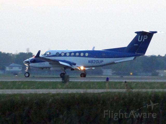 Beechcraft Super King Air 350 (N820UP)