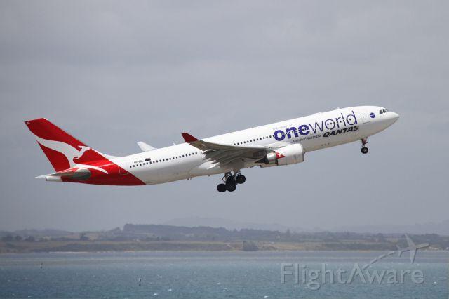 Airbus A330-200 (VH-EBL)