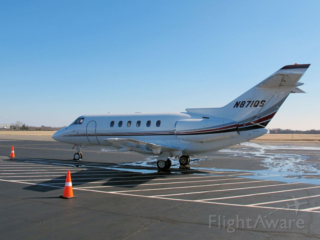 Cessna Citation Sovereign (N871QS) - Stand up cabin.