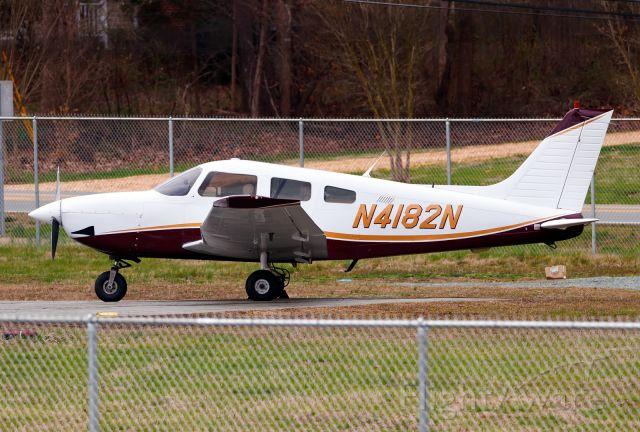 Piper Cherokee (N4182N)