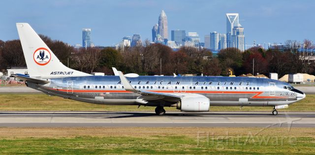 Boeing 737-800 (N905NN) - The American Astrojet retro in all her glory! I love this bird.  Probably my second favorite retrojet after Piedmont.  The old eagle is always a sight to behold.  Taking off for MIA from CLT, 3/2/19.