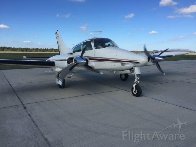 Cessna 310 (N121LA)