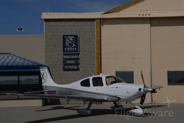 Cirrus SR-22 (N931DR) - Cirrus Charter! Fly 2.0 - Forget the Airlines and Bags! You can keep you Shoes on TOO!