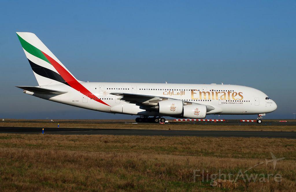 Airbus A380-800 (A6-EDD) - 380