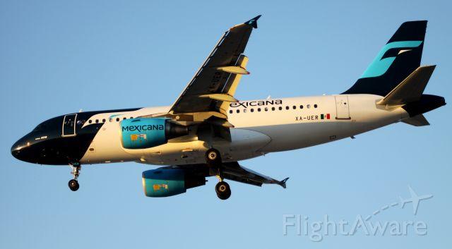 Airbus A319 (XA-UER) - Landing 30L