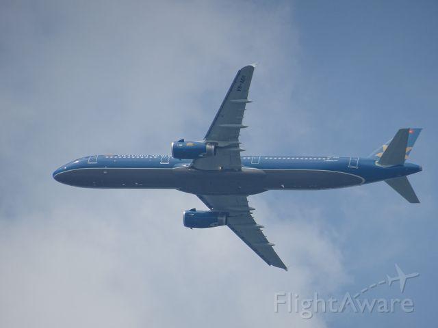 Airbus A321 (VNA611)