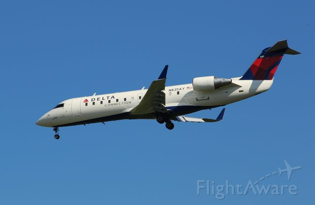 Canadair Regional Jet CRJ-200 (N835AY) - Endeavor Air CRJ-200LR approaching Norfolk