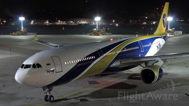 Airbus A330-200 (EI-ETI)