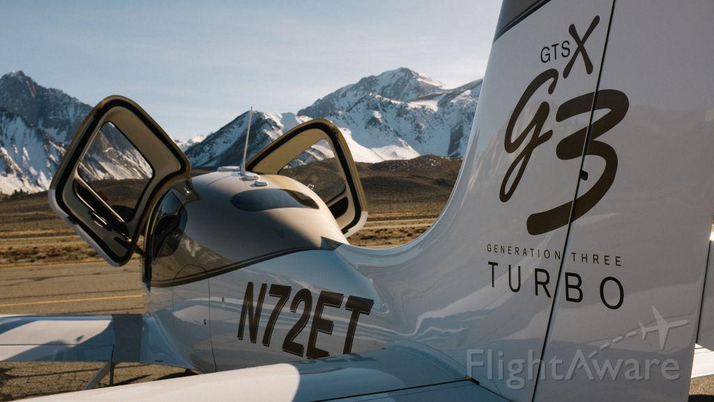 Cirrus SR-22 (N72ET)