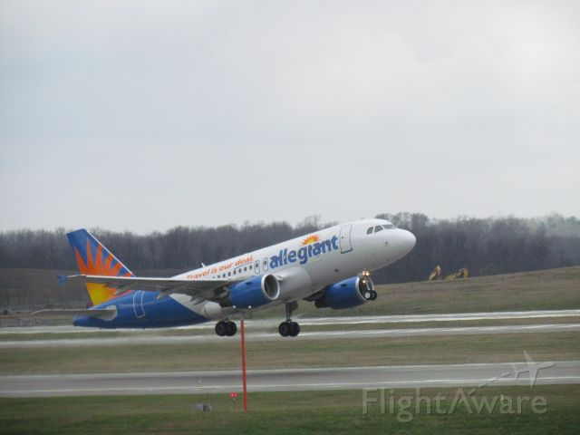 Airbus A319 (N326NV)