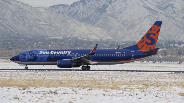 Boeing 737-800 (N814SY)